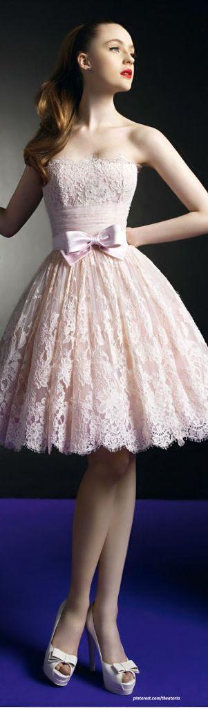 Vestido comprimento chanel, romântico